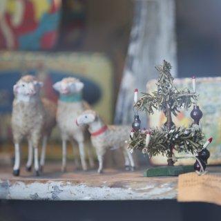 Karte: Schafe mit Tannenbäumchen